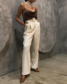 Trousers, Pants, Fashion Inspiration, Outfit Ideas, Women's Fashion, Clothing, How To Wear, Outfits, Trouser Pants