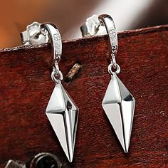 Smoon Cosplay Fairy Tail Erza Scarlet Silver Earrings Animation Products Smoon http://www.amazon.com/dp/B00ZUHEZ72/ref=cm_sw_r_pi_dp_xCBQvb0GVDKT5