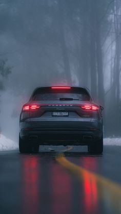 The latest iPhone11, iPhone11 Pro, iPhone 11 Pro Max mobile phone HD wallpapers free download, porsche cayenne, porsche, car, suv, gray, rear view, road, fog - Free Wallpaper | Download Free Wallpapers