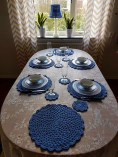Modern dining room with crochet table runner – Artofit Crochet Placemats, Crochet Table Runner, Lace Doilies, Crochet Doilies, Crochet Designs, Crochet Patterns, Home Crafts, Diy And Crafts, Crochet Coaster Pattern