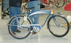 this was not a Schwinn.I think it was a Mc Greggor Streamline Art, Streamline Moderne, Cool Bicycles, Vintage Bicycles, Old Bikes, Bike Style, 1940s Fashion, The Good Old Days, Vintage Girls