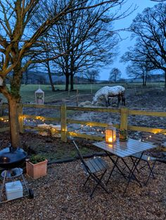 A cosy stay at the North Downs Shepherd Huts, Botleyhill Farm