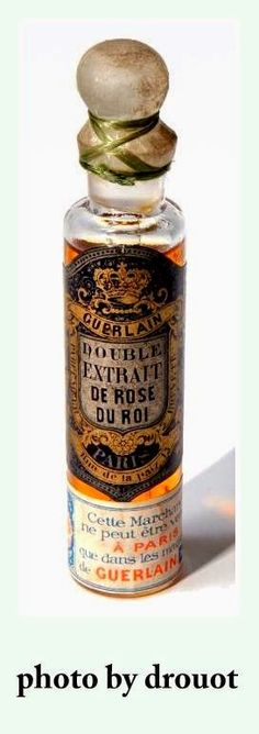 Double Extrait de Rose du Roi by Guerlain: launched around So what does it smell like? It was a rose soliflore perfume. Antique Perfume Bottles, Vintage Bottles, Rimmel, Parfum Guerlain, Top Perfumes, Beautiful Perfume, Reference Site, Bottle Design, Glass