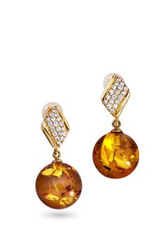 House of Amber - Gold earrings with amber and diamonds.
