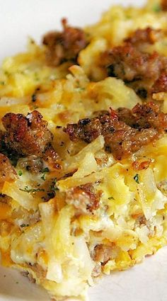 Sausage Hash Brown Breakfast Casserole ~ It can be made ahead of time and refrig. - Sausage Hash Brown Breakfast Casserole ~ It can be made ahead of time and refrigerated until you ar - Breakfast And Brunch, Breakfast Items, Breakfast Dishes, Breakfast Burritos, Breakfast Hash Browns, Chicken Breakfast, Breakfast Ideas With Eggs, Breakfast Egg Bake, Frozen Breakfast