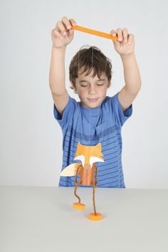 DIY Fantastic Mr Fox puppet / marionette from toilet rolls, paddle pop sticks, bottle tops and bottle tops - free templates