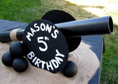 pirate party LOOKS SUPER EASY TO MAKE--GREAT FRONT YARD DECOR TO LET EVERYONE KNOW WHERE THE PARTY IS