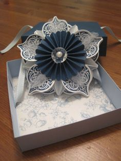 Ornament from cover of Holiday Catalogue, in midnight muse and bashful blue, in a box from another demo.
