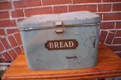 Salevintage metal bread box by junkinjane on Etsy, $42.00