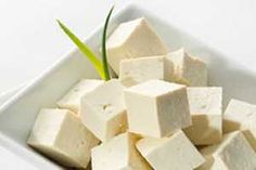 Tofu is a great vegetarian source of protein. But did you know that a half-cup serving of firm tofu contains about 227 mg of calcium or ab. Tofu Recipes, Baby Food Recipes, Healthy Recipes, Protein Diets, Protein Sources, Soy Protein, High Protein, Plant Protein, Tofu Blando