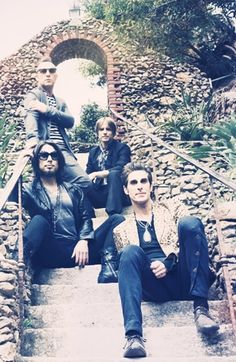New Jane's Addiction song - click through to hear.