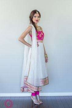 Pink and white anarkali suit Anarkali Dress, Pakistani Dresses, Indian Dresses, White Anarkali, Pakistani Clothing, Anarkali Suits, Punjabi Suits, Indian Sarees, Mode Bollywood