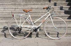 BICI GANNA MODELLO SUPERSPORT DONNA  COLORI: GRIGIO GANNA - PISTACCHIO - NERO - VERDE CHIARO  PER ULTERIORI INFORMAZIONI SUL PRODOTTO:  http://www.ganna-retro.it/it/biciclette/donna-12-v-_6_13.htm