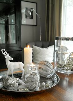 Christmas in white, grey and silver.