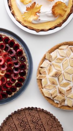 6 Pie Decorating Hacks - A Little Something Sweet - Desserts - Dessert Recipes Fun Desserts, Delicious Desserts, Yummy Food, Sweet Recipes, Cake Recipes, Dessert Recipes, Oreo Dessert, Pie Decoration, No Cook Meals