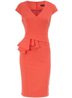 Coral V neck peplum dress. Definitely my style.and color! Look Fashion, Fashion Beauty, Womens Fashion, Sweet Fashion, High Fashion, Fashion Shoes, Mode Style, Style Me, Mode Shoes