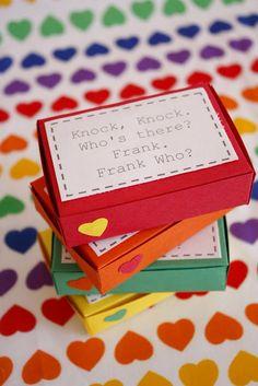 delia creates: Funny Valentine- knock knock joke valentine boxes.  Free printable labels and box templates