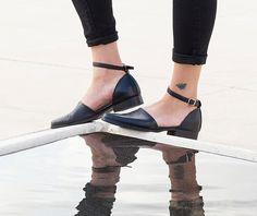 Closed Toe Sandals~ Ankle Strap Sandals~ Mules~ Handmade Leather Shoes ~ Pointed Sandals ~ Dress Shoes ~ Elegant Flat Shoes ~ Black Shoes by KatzAndBirds