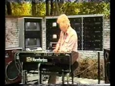 Edgar Froese - Wat een held!   Edgar Froese - Sobornost (1981) - Solo TV performance in Germany