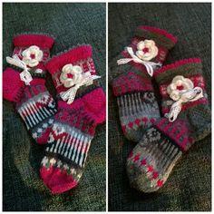 Anelmaiset - ensimmäiset nilkkasukka-Anelmaiset Crochet Slippers, Crochet Hats, Sock Crafts, Happy Socks, Slipper Socks, Knitting Socks, Sock Shoes, Womens Slippers, Mittens