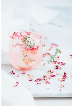 Flowers and cocktails | © Rachel Korinek Food Photographer. Food Photography, Food Styling.