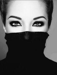 Love the dramatic eye makeup