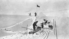 """This rare photograph was taken during the gruelling sleding journey during Sir Ernest Shackleton's ill fated  """"Endurance"""" Expedition"""