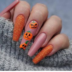 Check out to see what coffin shaped nails or ballerina nails look like, and find 65 inspiring images of coffin nail designs to try! Halloween Press On Nails, Cute Halloween Nails, Halloween Acrylic Nails, Halloween Nail Designs, Fall Nail Art Designs, Christmas Acrylic Nails, Orange Nail Designs, Cute Acrylic Nail Designs, Halloween Party