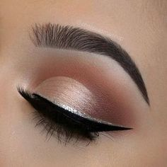 Sleek silver line right above the black liner