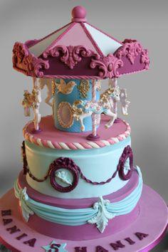 Carousel cake - Carousel cake