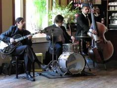 Video of Girl from Ipanema-NYC Jazz Trio-Green Central Station  http://www.expresswaymusic.com/livemusic/trios-quartets/green-central-station/#