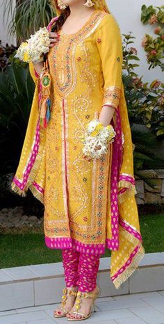 Beautiful & Best Mehndi Dresses Designs Collection for Girls 2014-2015 (9)