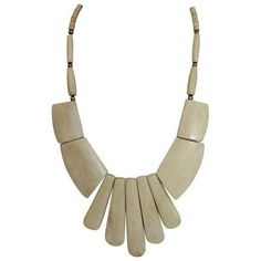 Vintage 1970s Indian Bone Necklace (430 BRL) ❤ liked on Polyvore featuring jewelry, necklaces, tribal necklace, vintage jewelry, indian jewellery, vintage bib necklace and bohemian style jewelry