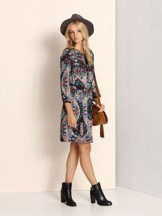 Sukienka damska kolorowa  - sukienka - TOP SECRET. SSU1733 Świetna jakość, rewelacyjna cena, modny krój. Idealnie podkreśli atuty Twojej figury. Obejrzyj też inne sukienki tej marki.