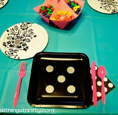 BUNCO party ideas! - sticker circles on plates
