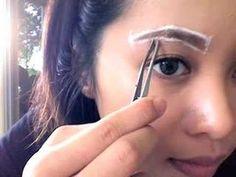 Augenbrauen in richtiger Form zupfen