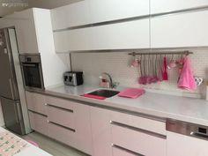 Beyaz mutfak, Modern mutfak, Mutfak, Mutfak aksesuar, Pembe