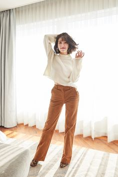 Tiffany Young - H&M Autumn 2018 Divided Music Campaign Tiffany Girls, Snsd Tiffany, Tiffany Hwang, Girls' Generation Tiffany, Girls Generation, Grazia Magazine, How To Style Bangs, Girl Outfits, Fashion Outfits