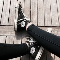 chuck taylors  //shoes // footwear // converse // black // style // fashion