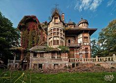 33 Amazingly Beautiful Abandoned Buildings - Clicky Pix