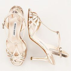 Every woman has a little bit of Carrie Bradshaw in her . . . Manolo Blahnik Shoes! #manoloblahnikcarrie