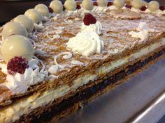 #Torta #millefoglie cioccolato e panna per eventi speciali. Servita nel Ristorante Location Torre del Parco a Lecce durante un banchetto.