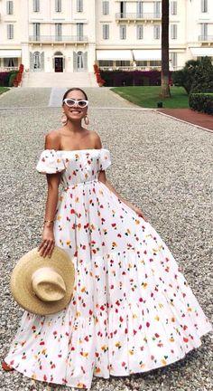 Deborah Symond O'Neil wearing Floral Printed Maxi Dress by Caroline Constas Casual Dresses, Fashion Dresses, Summer Dresses, Long Dresses, Floral Maxi Dress, Dress Skirt, Mode Vintage, Ladies Dress Design, Pretty Dresses