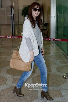 Best Dressed Girl Group Girls Generation\'s (SNSD) Leaving for Arena Tour Concert in Japan