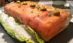 Pastel de pan de molde y salmón ahumado