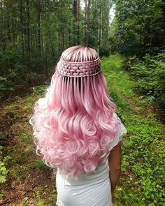 7 lovely Rose Gold Hair Color for you : Have a look! You deserve some amazing Rose Gold Hair Color for your long hair. So, regarding that, we have gathered some lovely Rose Gold Hair Color suggestions only for you. Gold Hair Colors, Hair Dye Colors, Cool Hair Color, Pretty Hairstyles, Braided Hairstyles, Fairy Hairstyles, Short Hairstyles, Hairstyle Ideas, Pinterest Hair