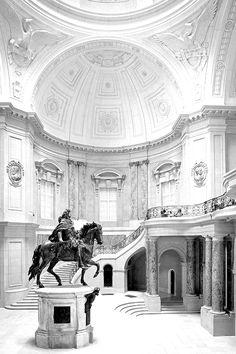 Das Bode-Museum, 1904 als Kaiser-Friedrich-Museum eröffnet, gehört zum Ensemble der Museumsinsel in Berlin und damit zum Weltkulturerbe der UNESCO.