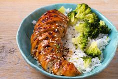 Asian Inspired Chicken Breasts, courtesy of @richardblais 🤯 Learn how to make this through the link! Chicken Steak, Chicken Gravy, Balsamic Chicken, Yummy Chicken Recipes, Rice Recipes, Great Recipes, Healthy Recipes, Favorite Recipes, Japanese Teriyaki Chicken Recipe