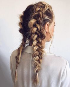 hair styles Double Dutch Braids Seeking trendy hairstyles for diamond face shape Short pixie cuts with bangs, layered shoulder length haircuts and many hairstyles for long hair are here to update your style! Face Shape Hairstyles, Trendy Hairstyles, Hairstyles Haircuts, School Hairstyles, Hairstyles For Graduation, Braided Ponytail Hairstyles, Straight Hairstyles, Long Layered Haircuts, Gorgeous Hairstyles