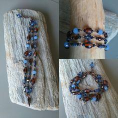 Drie rijen koperen armband gemaakt met blauwe en bruine glaskralen.  www.facebook.nl/kikakoscreaties